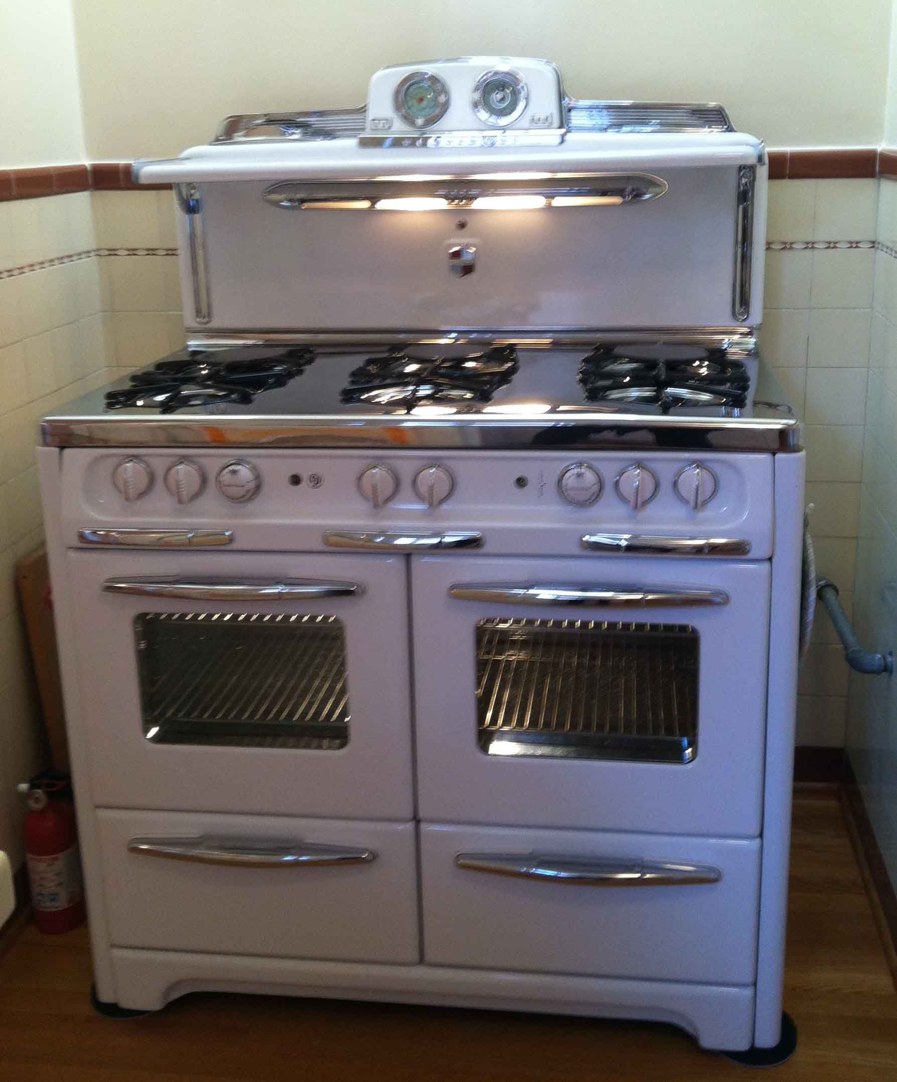 beautiful Vintage Kitchen Appliances For Sale #5: Apple Stoves